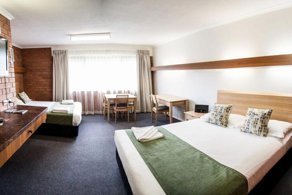 deluxe-queen-murwillumbah-accommodation2