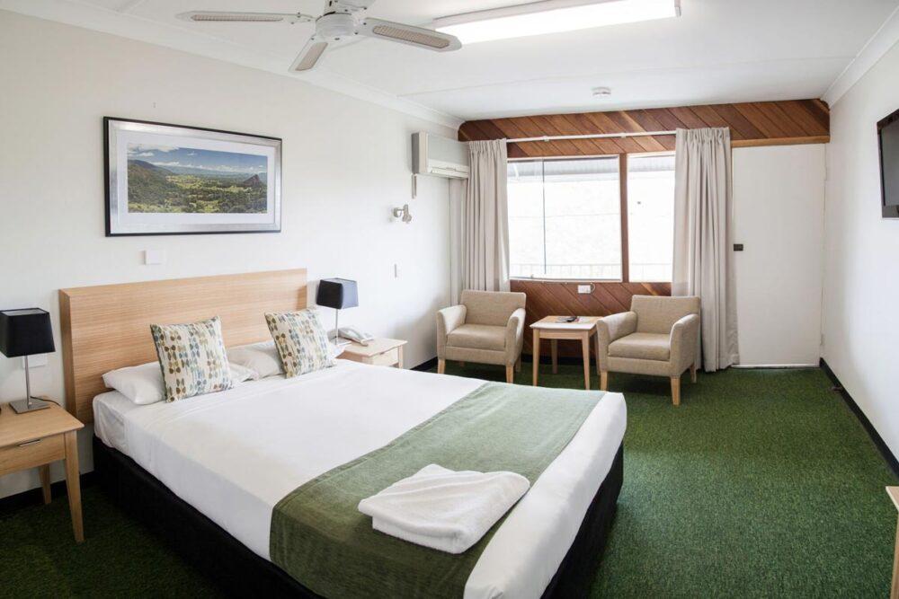 large-queen-murwillumbah-accommodation1