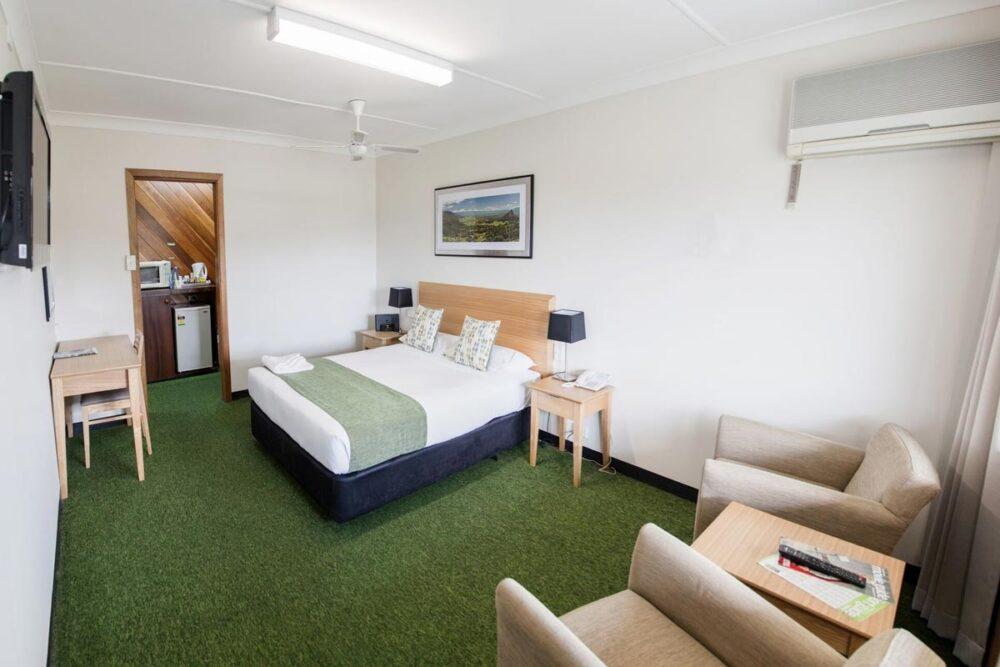 large-queen-murwillumbah-accommodation2