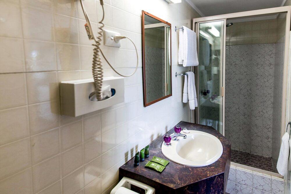 standard-queen-murwillumbah-accommodation4