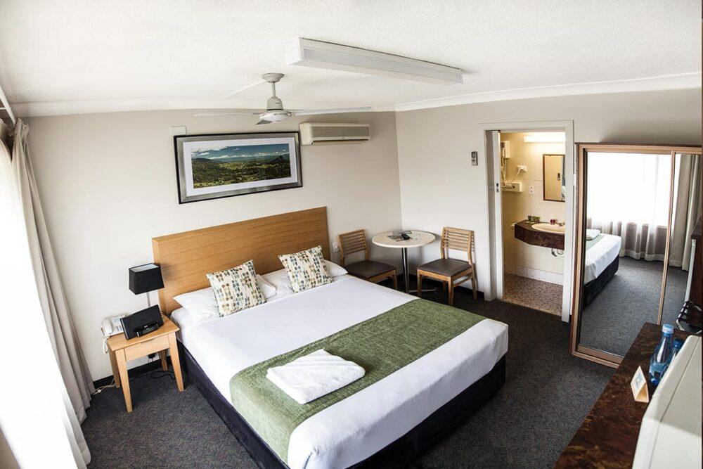 standard-queen-murwillumbah-accommodation6